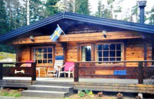 """snug living"" in a Swedish log cabin in 1997"